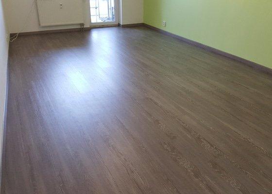 Výměna plovoucí podlahy za vinylovou