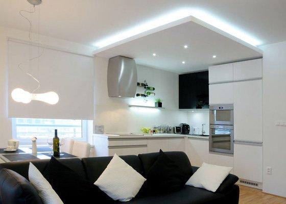 SDK podhled kuchyně včetně elektra a digestoře