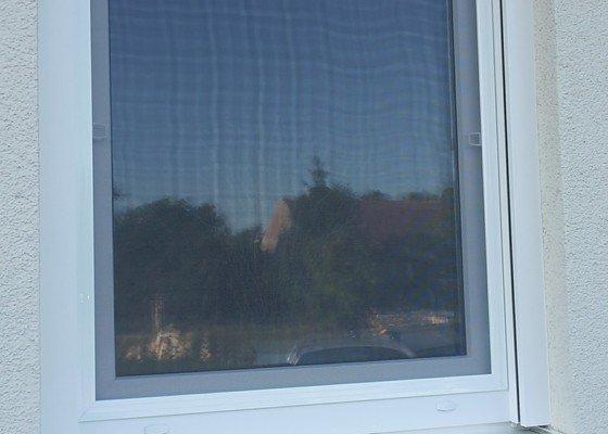 Sítě do oken