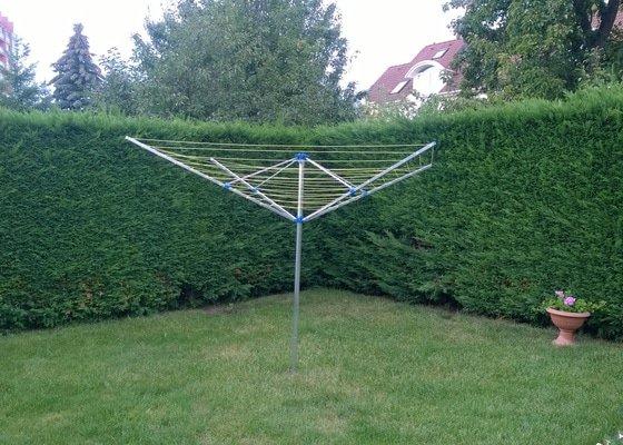 Stříhání živého plotu