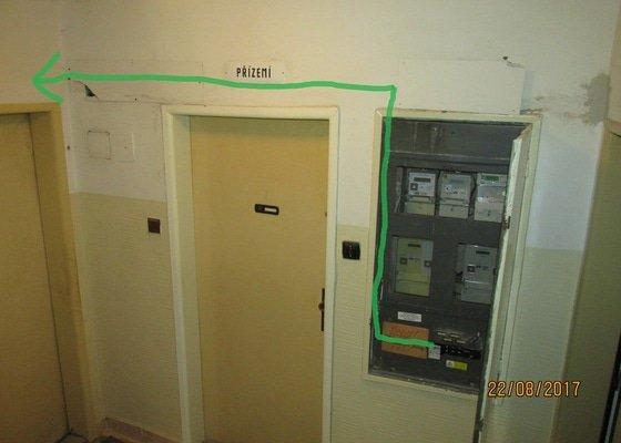 Elektrikářská práce - natažení třífázového kabelu od hlavního jističe do bytu