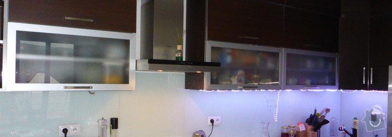 Propojení a přidělání LED pásky pod kuchyňskou linku (necelé 4 m)ele   P1130342 7473202c3a