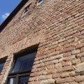 a takto vypadal dům v původním stavu před opravou