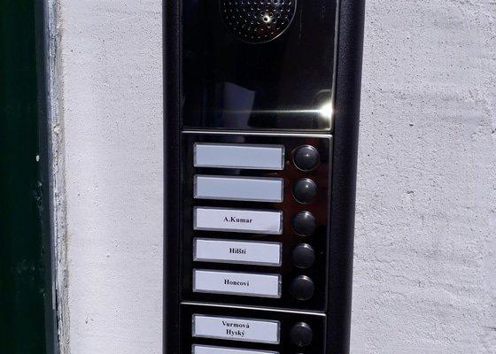 Rekonstrukce domovních telefonů