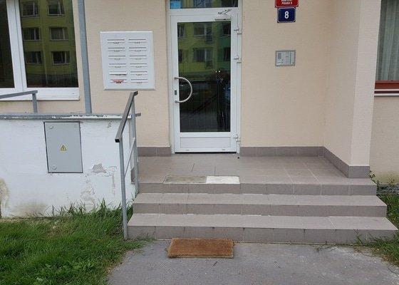 Rekonstrukce obložení vstupního prostoru