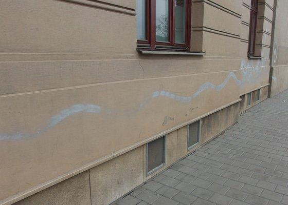 Čištění fasád odstranění graffiti