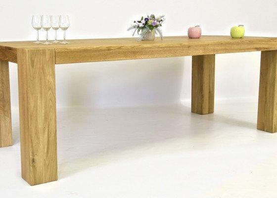 Stůl z masivu pro 10 lidí (8+2)