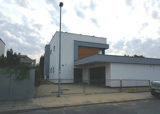 Stavba rodinného pasivního domu Praha Libuš.