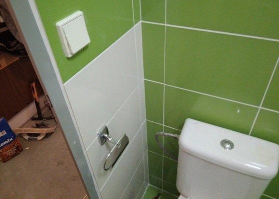 Renovace bytového jádra v panelovém bytě 2 +1