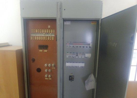 Výměna rozvodné skříně;kompletace zásuvek,světel s vypínači
