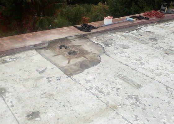 Oprava rovné střechy na patrovém rodinnám domě.