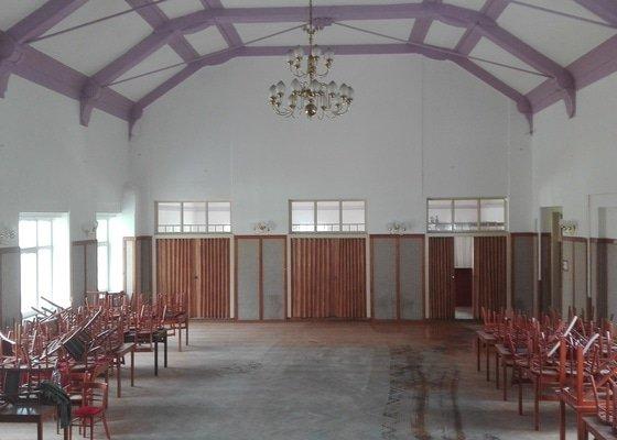 Malířské práce - vymalování společenského sálu