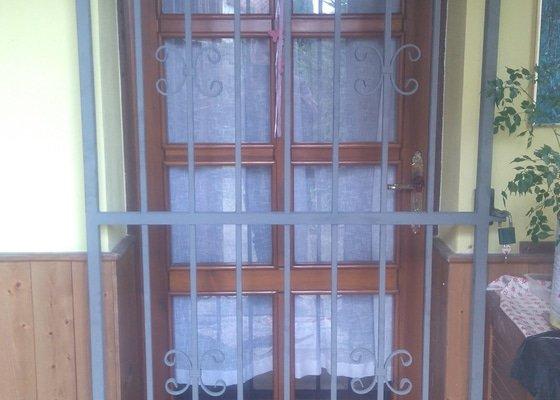 Mříže na dveře