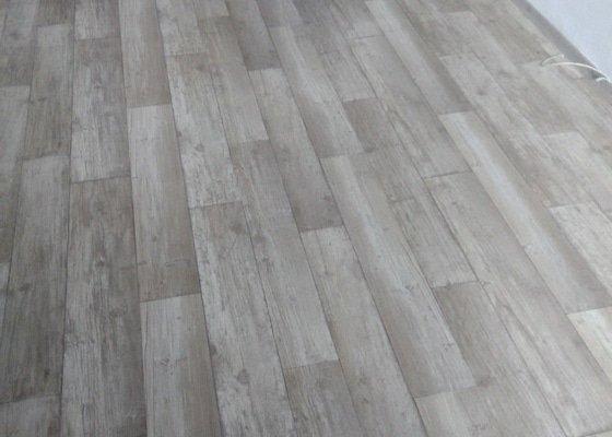 Vyrovnání podlahy a pokládka lina
