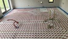 Pokládka podlahového topení, litá podlaha > RD