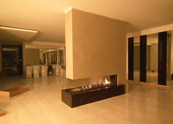 Stavba plynového krbu do moderního interiéru