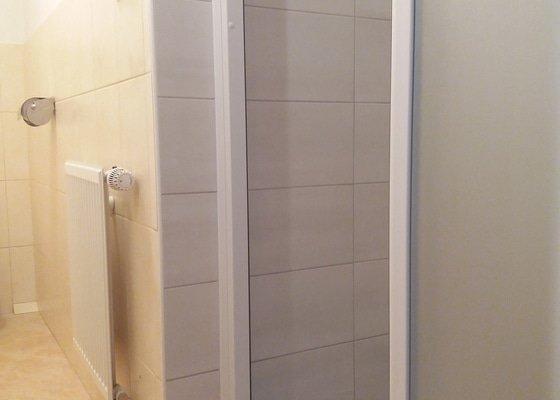 Malá koupelna - sprchový kout
