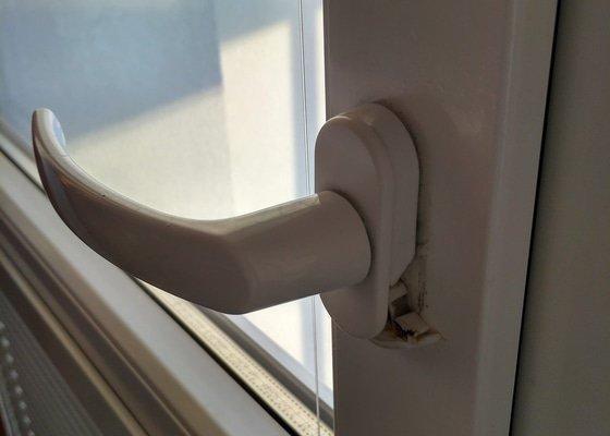 Servis plastových balkonových dveří