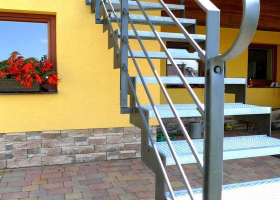 Ocelové schodiště a kované zábradlí