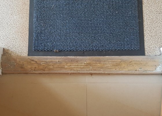 Výměna prahu u vchodových dveří do bytu