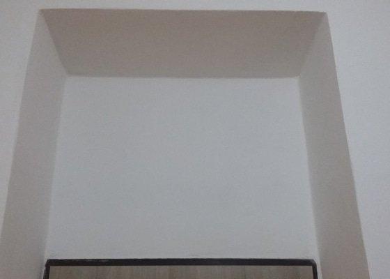 Vestavěné skříňky (3 kusy)