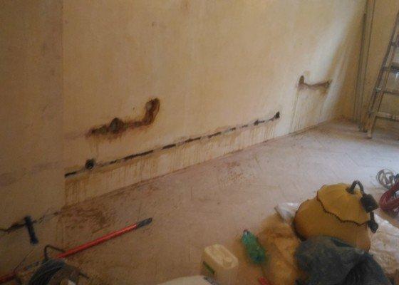 Rekonstrukce omítek v bytě 2+1