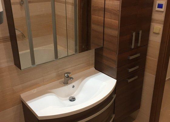 Přestavba koupelny + wc + předsíně v rodinném domě