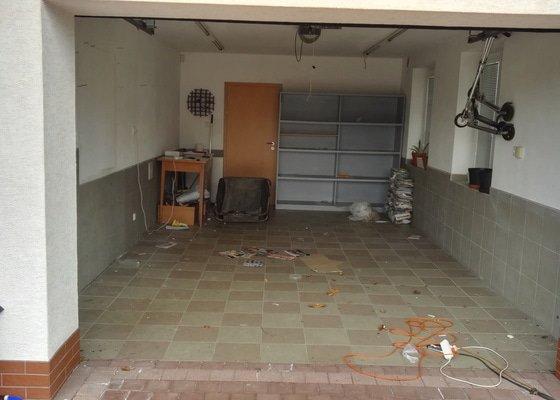 Rekonstrukce - přestavba garáže v RD na kosmetické studio. Velikost prostoru cca 26m2.