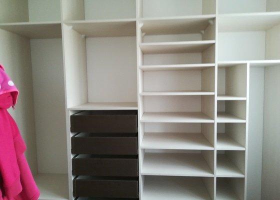 Velká vestavěná skřín
