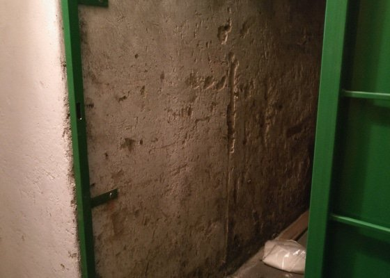 Rekonstrukce sklepa (omítka, dlažba)