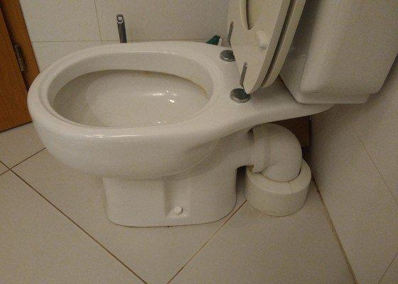 Oprava nádrže záchodu