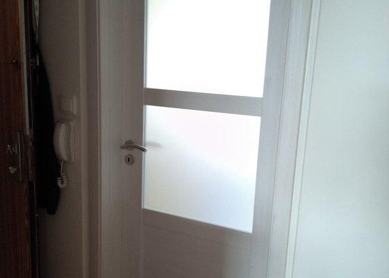 Montáž 2x obložkové zárubně vč dveří do panelového bytu