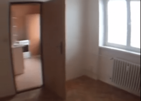 Rekonstrukce elektroinstalace v bytě, cihla