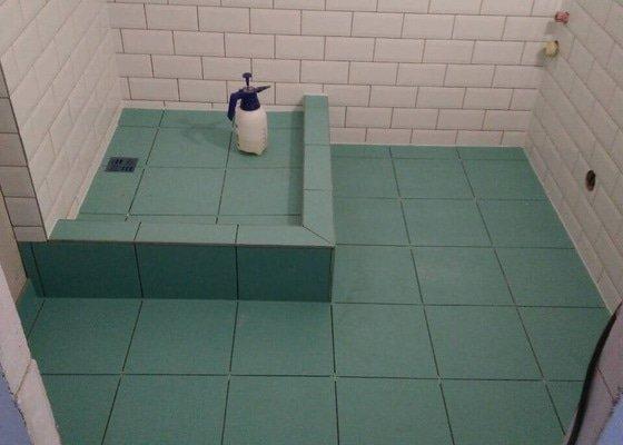 Obklady a dlažba koupelna+WC