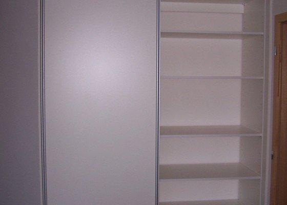 Vestavěná skřín