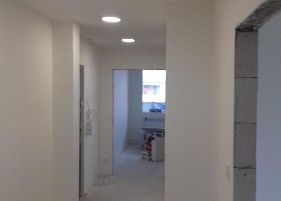 Malovani byt 2+1  + sdk+ podlahy