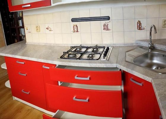 Kuchyň červená