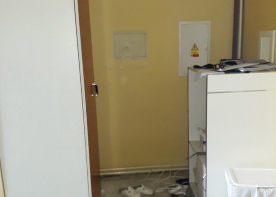 Kuchyně, skříně, obklad