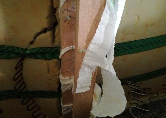 Oprava kožené sedací soupravy- prasklá péra, šití švů