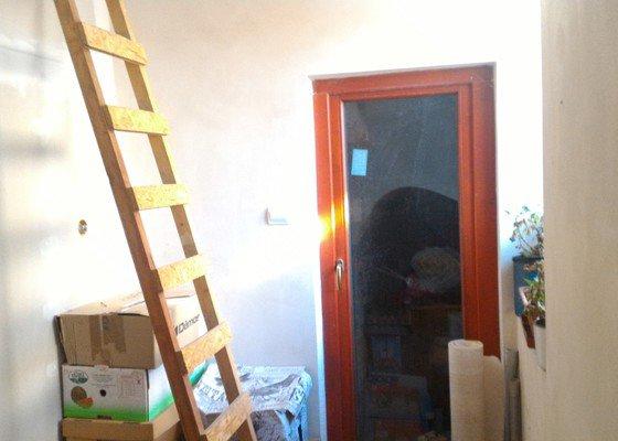 Realizace dřevěného schodiště do podkroví