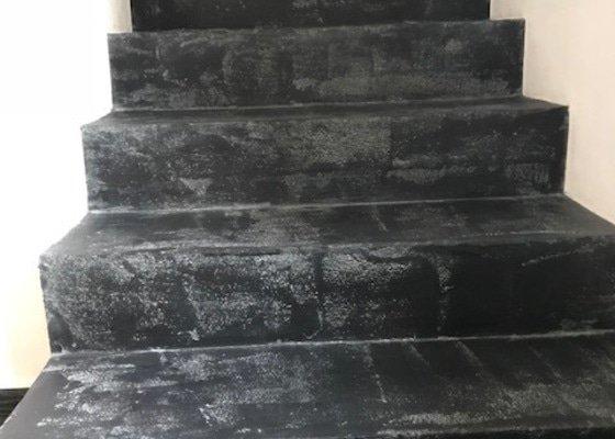 Designová stěrka schodiště