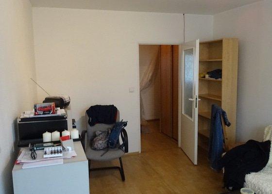 Výmalba bytu 3+1 v panelovém domě na Praze 8