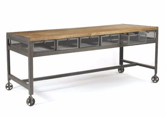 Výroba stolu na kolečkách