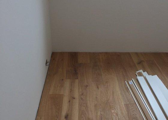 Montáž podlahy a podlahových lišt
