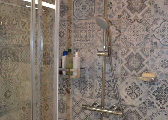 Rekonstrukce koupelny a toalety v panelovém domě