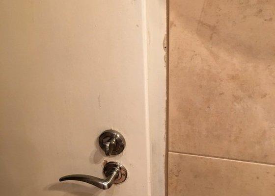 Lakování - Natření dveří a futer v bytě