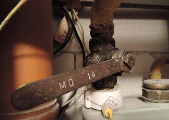 Výměna plynových uzávěrů v bytech (4 ks)