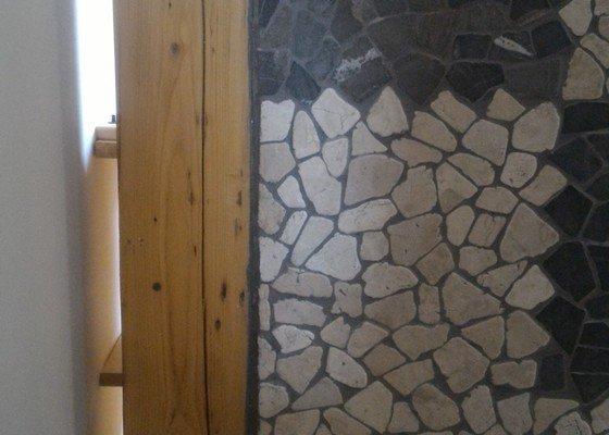 Odstranění SDK příčky a pultu, položení podlahy
