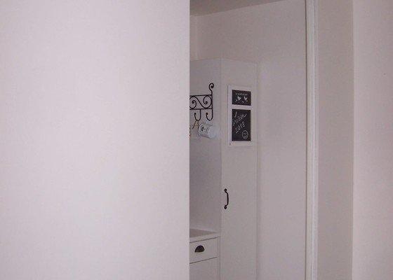 Přepažení místnosti posuvnou stěnou