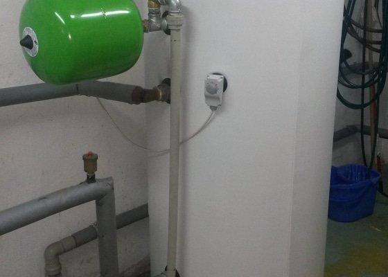 Topenářské, instalatérské práce - výměna ohřívače TUV RBC 500 l